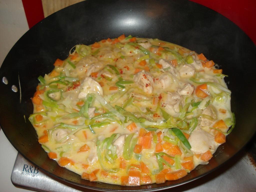 Recette de poulet au curry thaï réalisée au wok du blog de cuisine Over-Cookée