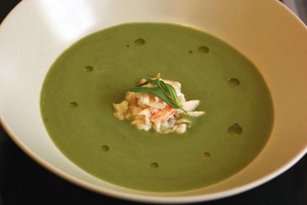 Soupe glacée de petits pois à l'estragon, une recette facile, une recette de restaurant