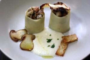 Conchiglionis farcis aux cèpes et foie gras sur un chutney