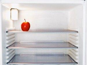 Si votre frigo ressemble à ça il faudra peut-être envisager la possibilité d'aller faire des courses !!