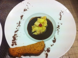 Soupe de chocolat, dés de pomme vanillés