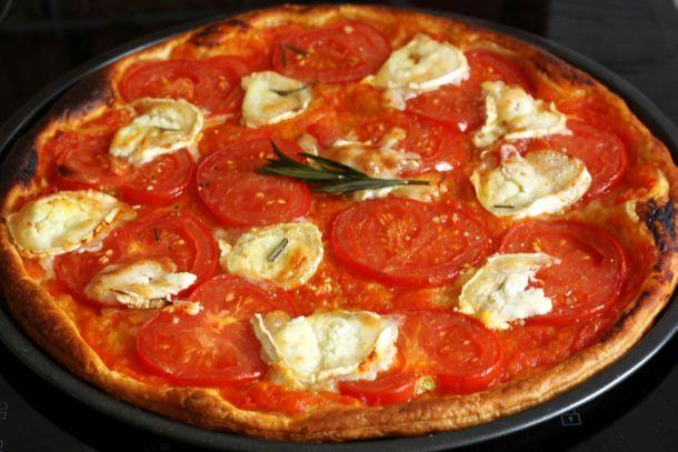 Tarte Fine Tomate Chevre Et Huile D Olive Parfumee Au Romarin
